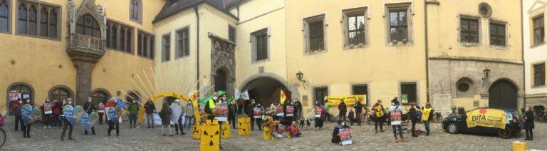 Wöchentliche Klima-Mahnwache der ForFutureGruppen Regensburgs