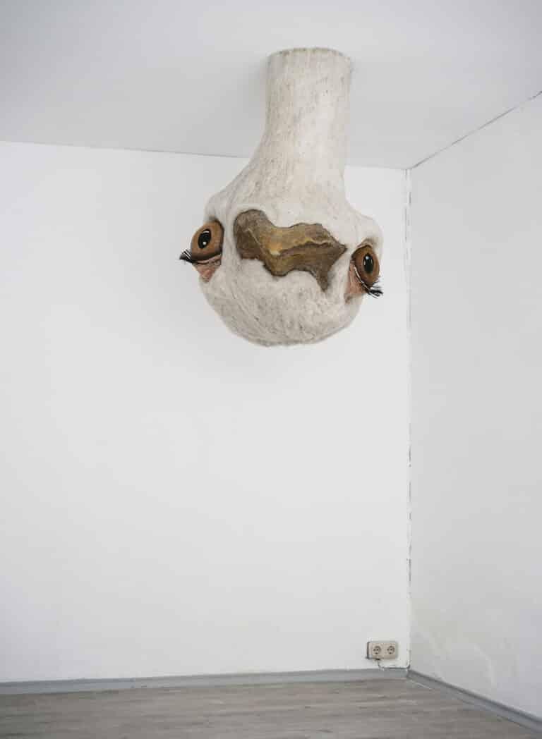Vogel Strauß im Neuen Kunstverein